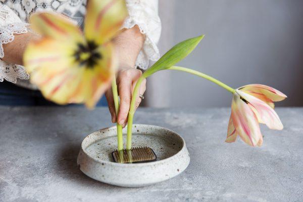 kenzan blomsterfakir skillad florals design via vintagefabriken