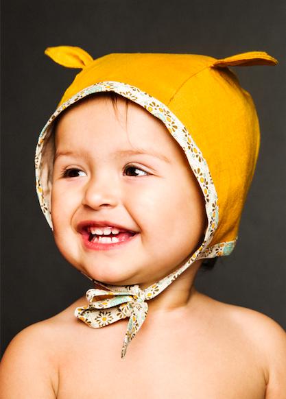 hatta for barn senapsgul med oron