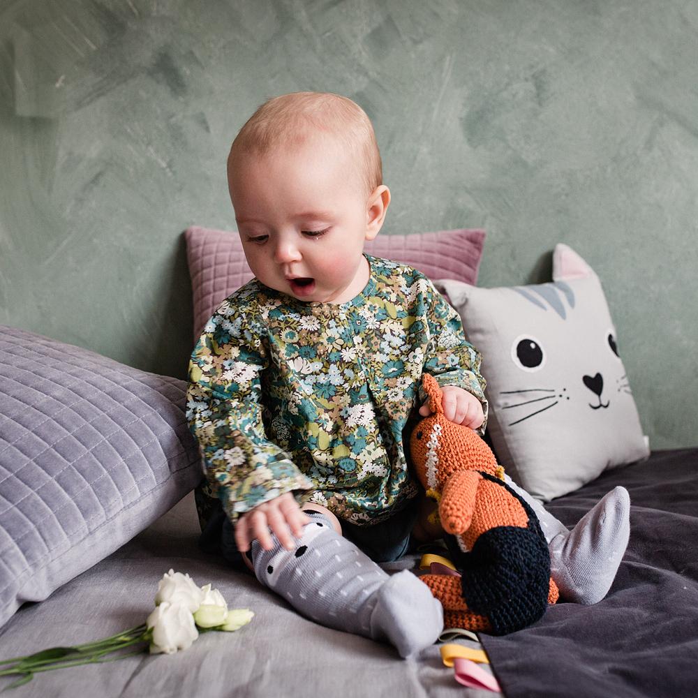 Eller med en av de ljuvliga skjortorna för barn i randigt eller blommigt. e02682855e38e