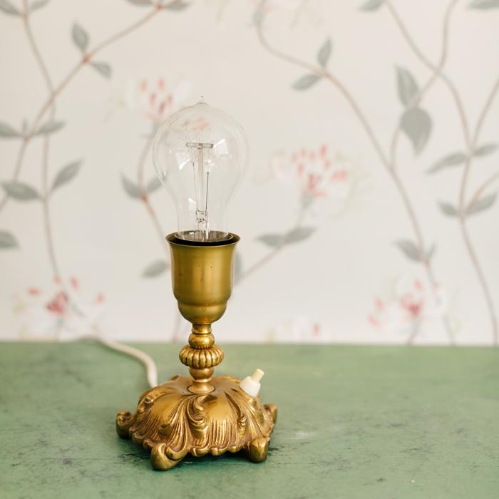 bordslampa massing