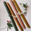 vaxat papper i senap, rosa, gront och rost