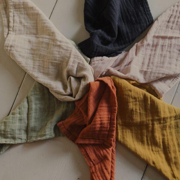 servett i tyg rost, senap, rosa, beige, gron